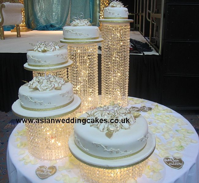 separate wedding cakes on stands pin de valeria reyes esparza en bases para pasteles 19751