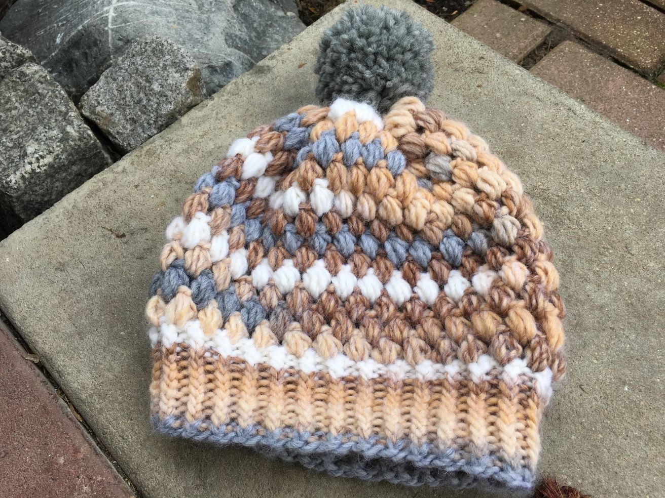 Photo of Instructions: bobble hat with tuft stitches