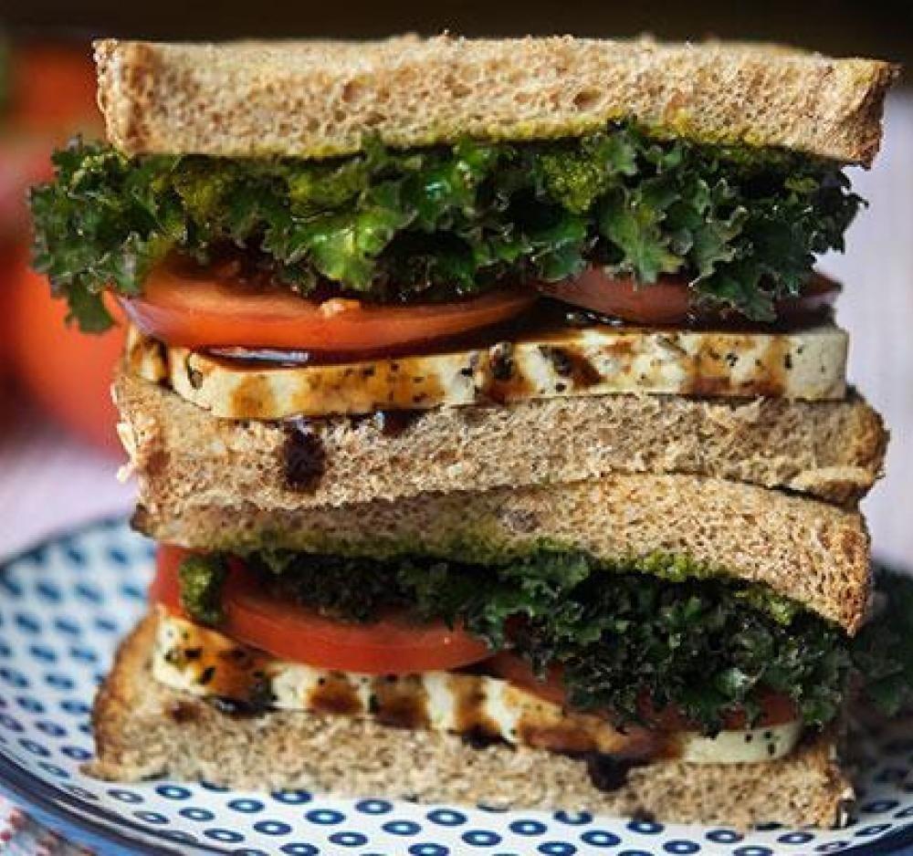 whole foods sandwiches calories