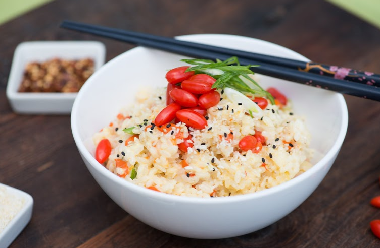 Coconut Ginger rice with fresh goji berries #recipe #coconut #gojiberries #ricedish #vegetarian #rice