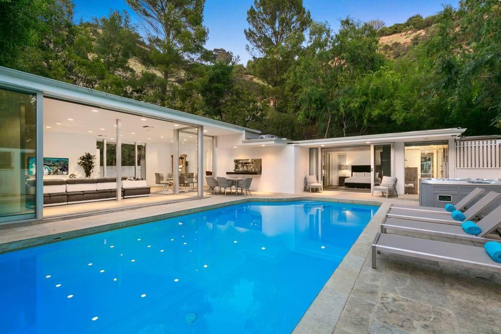 Luxury Beverly Hills Home Los Angeles Ca Modern Villa Modernhome Modern Pool House Luxurylifest Beverly Hills Houses Vacation Home Los Angeles Homes
