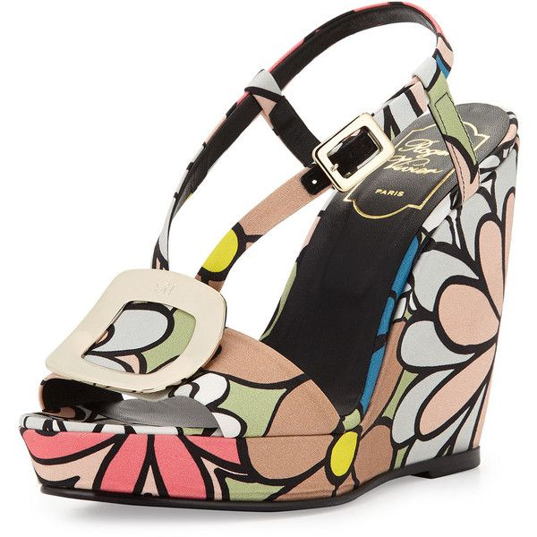 Roger Vivier Chips Flower-Print Wedge Sandal (22 310 UAH) ❤ liked on Polyvore featuring shoes, sandals, multi, shoes wedges, floral shoes, wide wedge sandals, floral print shoes, toe strap sandals and floral print wedge sandals