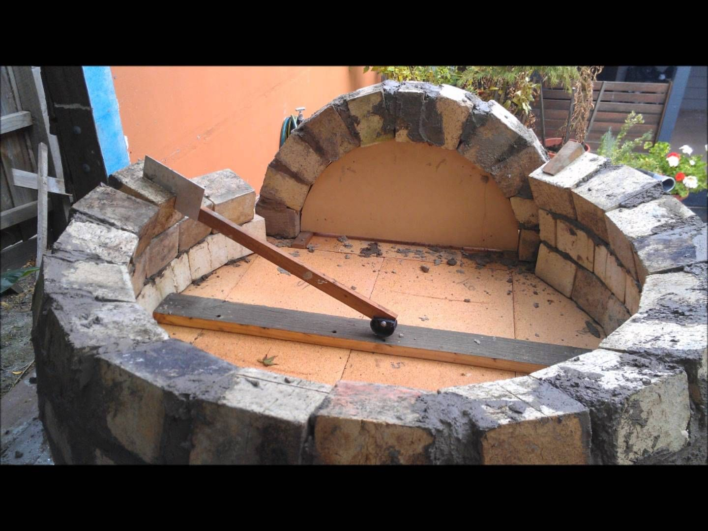 How To Build A Wood Fired Pizza Bread Oven Brick