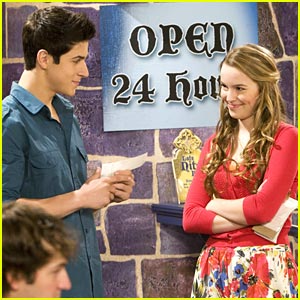 Google Image Result For Http Images2 Wikia Nocookie Net Cb20101031135142 Wi Wizards Of Waverly Place Old Disney Channel Shows Disney Channel Stars