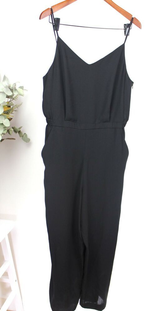 6462045e852 UNIQLO Ladies - Size L - Black Pants V-Neck Jumpsuit with Pockets  Uniqlo   Jumpsuit  AnyOccasion