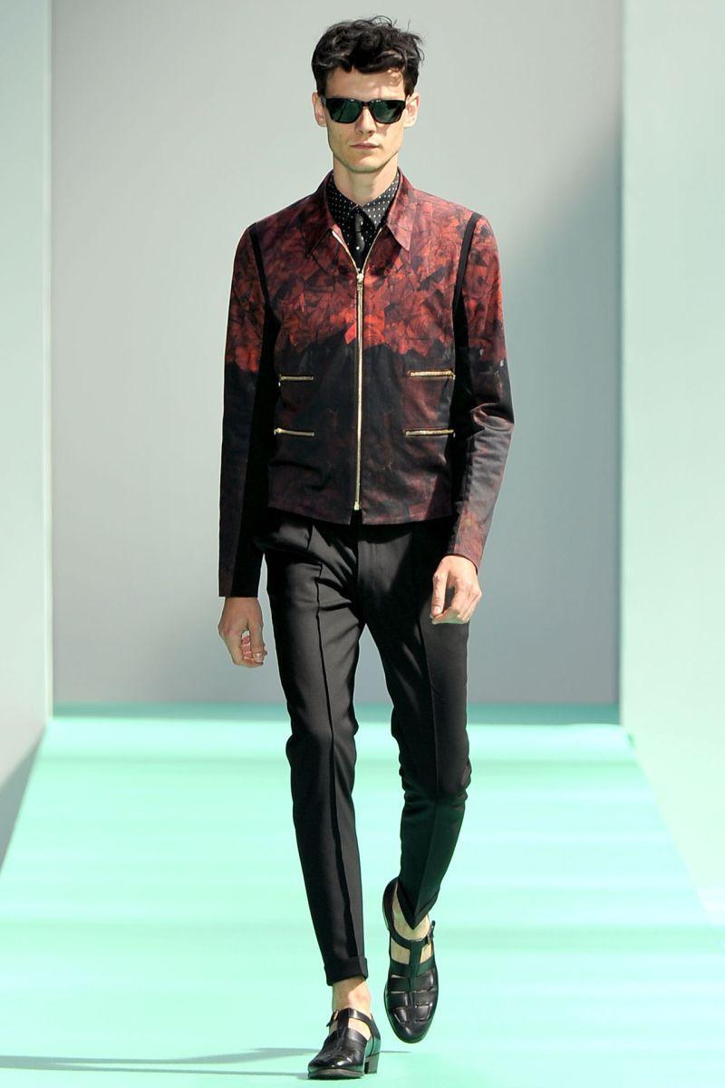rot und schwarz Jacke