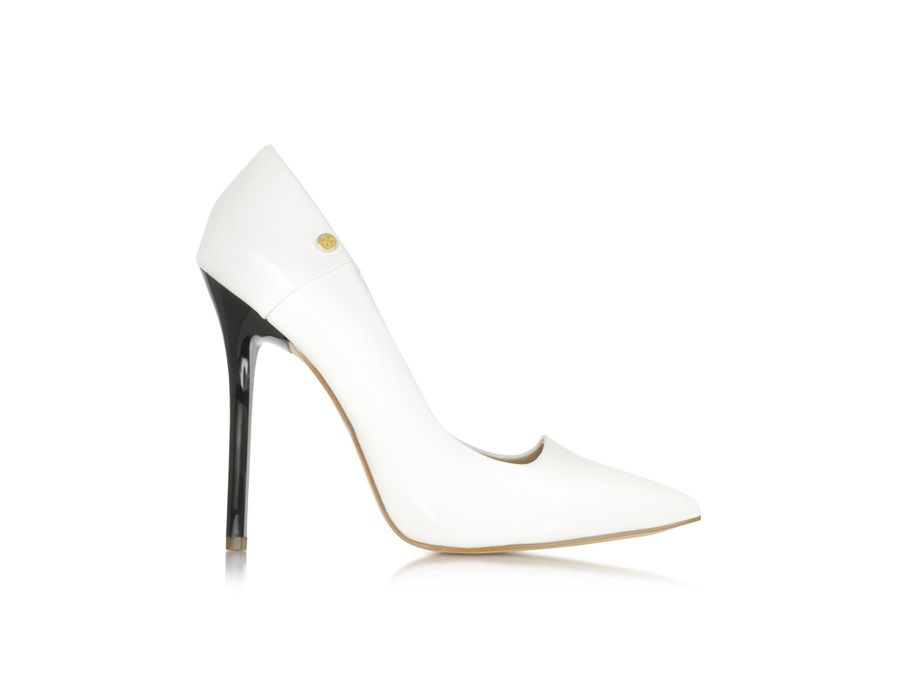 12 Spring Fashion Must-Haves: the White pump