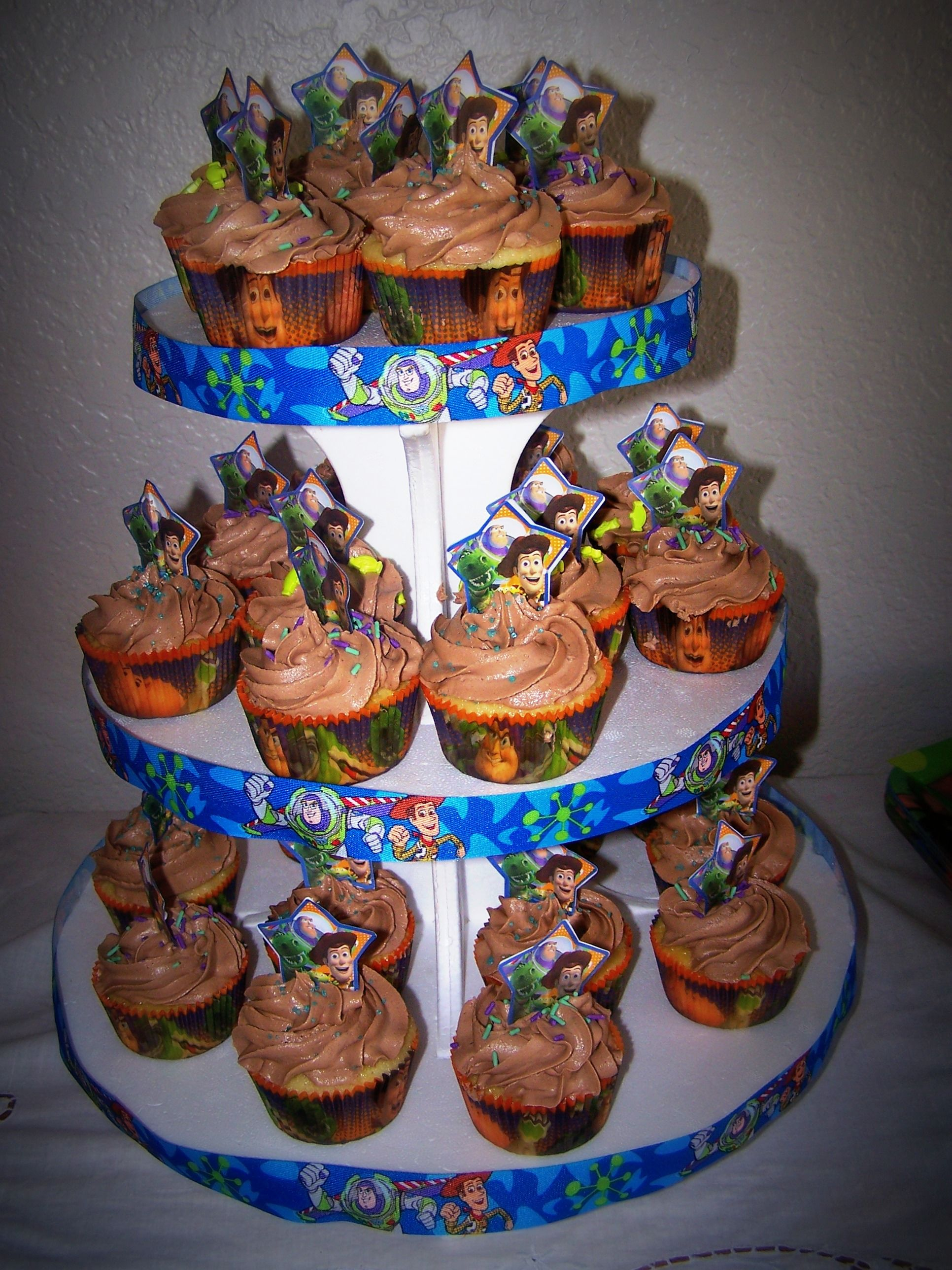 Wondrous Toy Story Cupcakes Walmart Has That Ribbon For The Stand Toy Birthday Cards Printable Trancafe Filternl