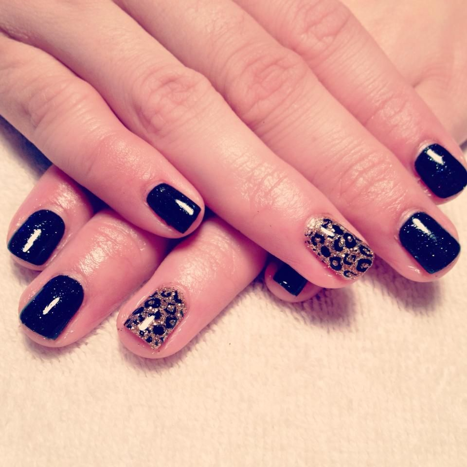 Black And Sparkle With A Cheetah Design Accent Nail Nail Art
