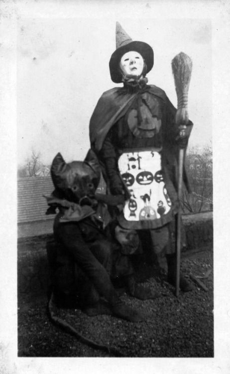 creepy vintage halloween witch costumes 1920s black cat vintage halloween - Vintage Halloween Witches