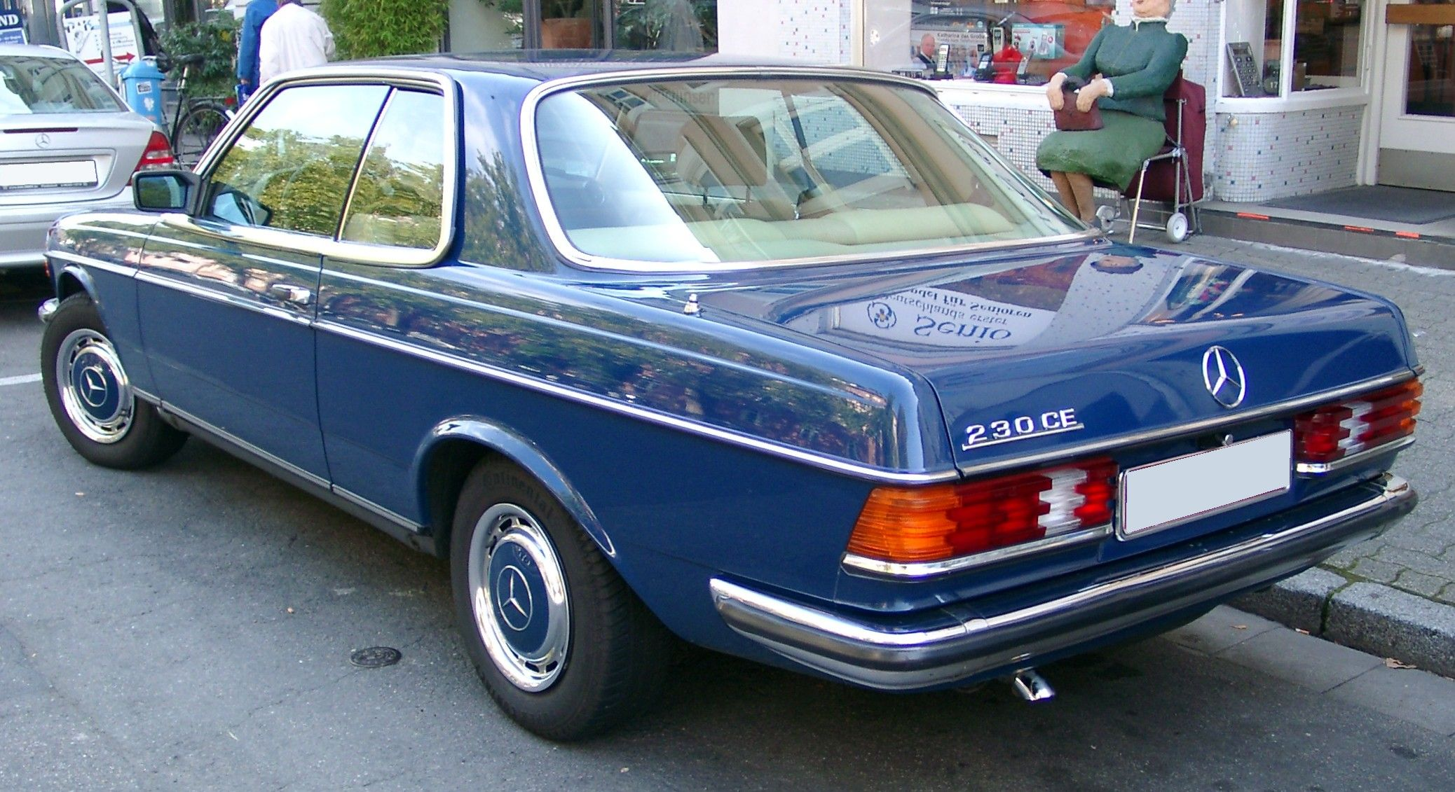 Mercedes benz w123 coupe mercedes w123 coupe pinterest for Mercedes benz w123
