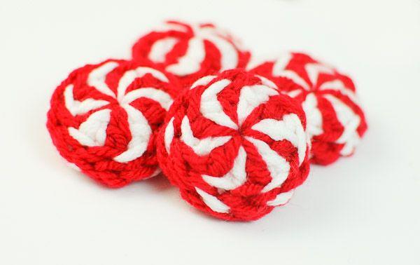 patrón de crochet caramelos de menta de Navidad