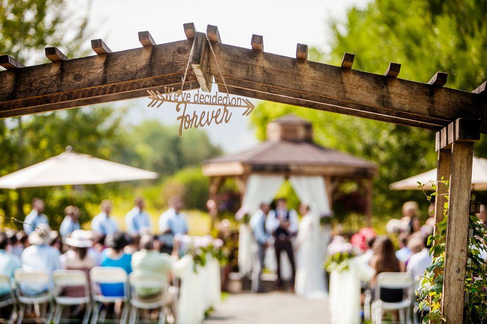 6e97bf9433aa6ef6ca3f3f116aa4b8cf - Denver Botanic Gardens Chatfield Farms Wedding