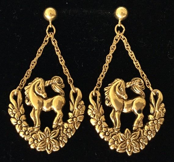 Whimsical UNICORN w/GARLAND Of FLOWERS Drop Dangle Pierced Earrings Gold Metal Vintage Fantasy Anima #garlandofflowers