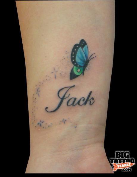 Papillon Femme A Tatouer Interieur Poignet Avec Prenom Tatoo