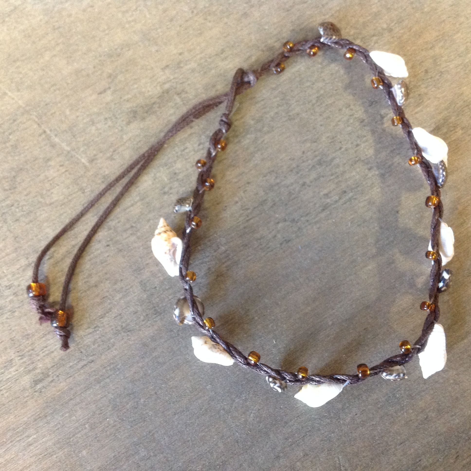 Make Your Own Seashell Jewelry: Combella Shell Anklet