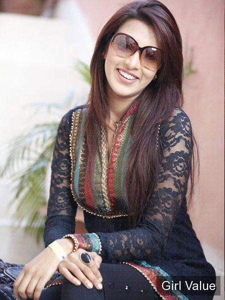 pakistani girl in black shalwar kameez salwar