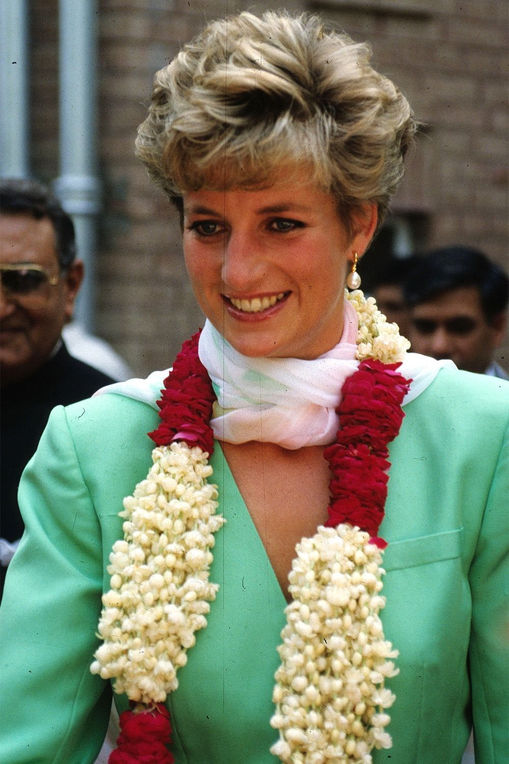 50 of princess diana's best hairstyles | princess diana hairstyles