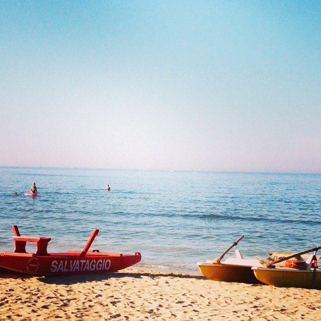 Sole, spiaggia, brezza, mare...Cosa chiedere di più? - Sun, beach, wind, sea...What else?   MyTurismoER: Rimini attraverso lo sguardo fotografico di @reetacelli