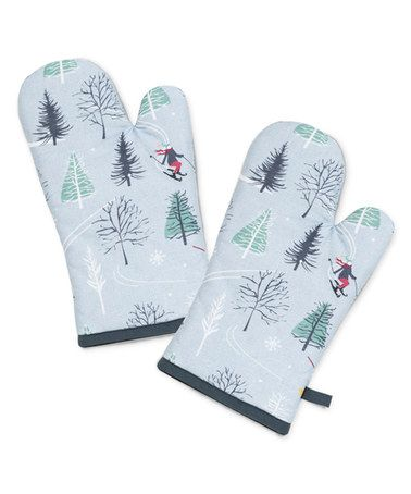 This Ski Icon Oven Mitt Set Of Two Is Perfect Zulilyfinds With Images Oven Mitts Mitt Skiing