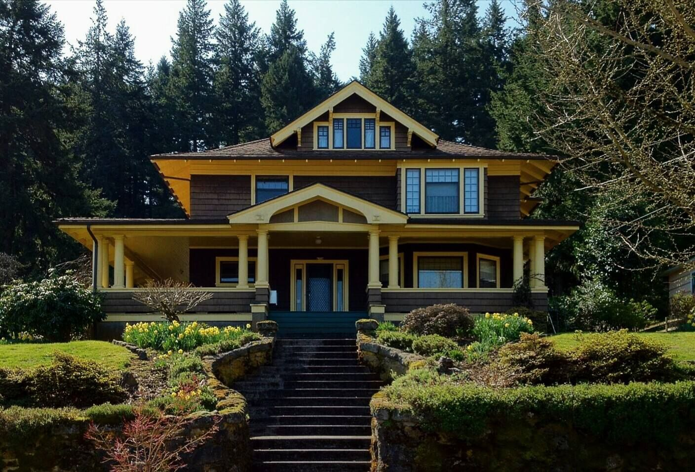 Portland bungalow arts and crafts craftsman arts and for Portland craftsman homes