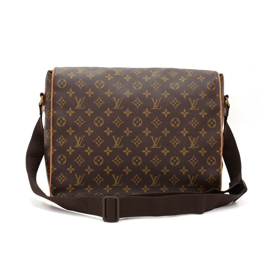 Authentic Louis Vuitton Abbesses bag in monogram Canvas. Outside, it has 1 small open pocket in the back. Top secured with flap. Underbeneath it, it has 2 exterior open pockets. Inside has 1 zipper, 1 open pocket and 1 for mobile or glasses. Very practical Louis Vuitton messenger bag. #LouisVuitton @fmasarovic