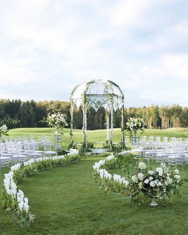 Modern Wedding Backdrop Ideas: 20 Modern Wedding Arches And Backdrops From Caramel