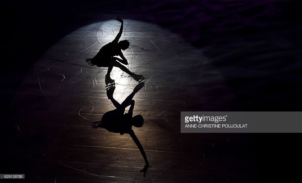 Russia's Evgenia Medvedeva performs during the Exhibition Gala at the ISU Grand Prix of figure skating Final, on Décember 11, 2016 in Marseille, southern France. / AFP / ANNE