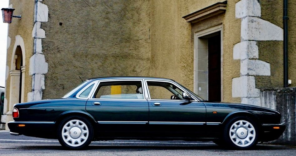 daimler super v8 jaguar xj8 daimler jaguar jaguar. Black Bedroom Furniture Sets. Home Design Ideas
