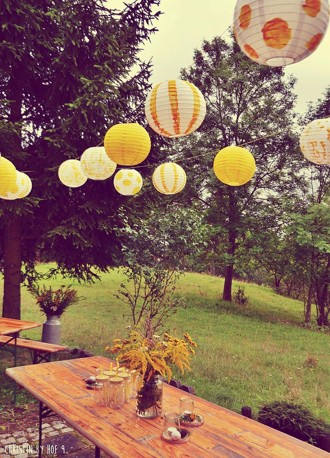 Photo of Hytte moro, utendørs dekorasjoner om sommeren, dekorative øltelt sett, rustikk bord …