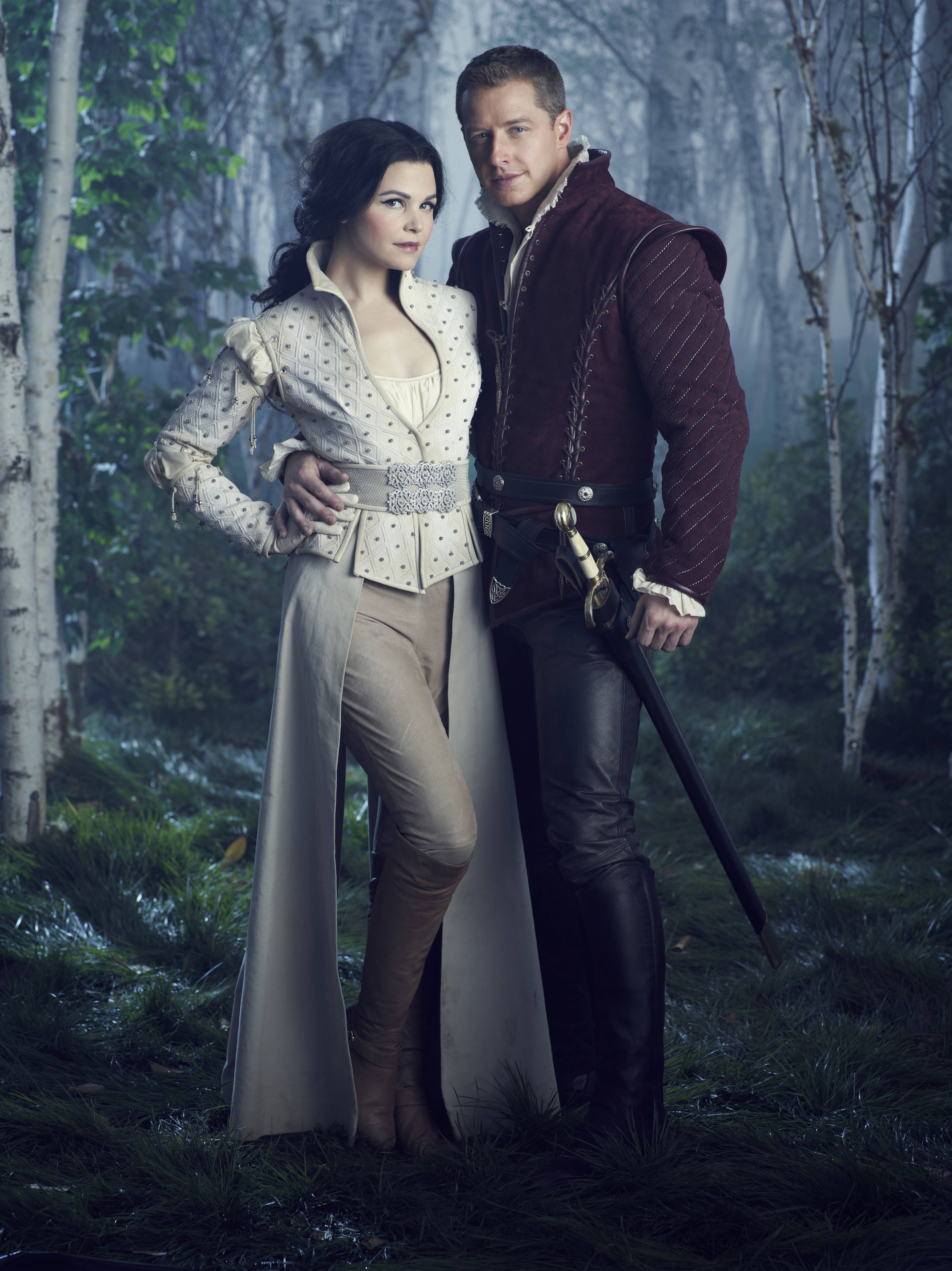 Once Upon A Time Season 2 Promo Photo Snow And Charming Once Upon A Time Once Up A Time