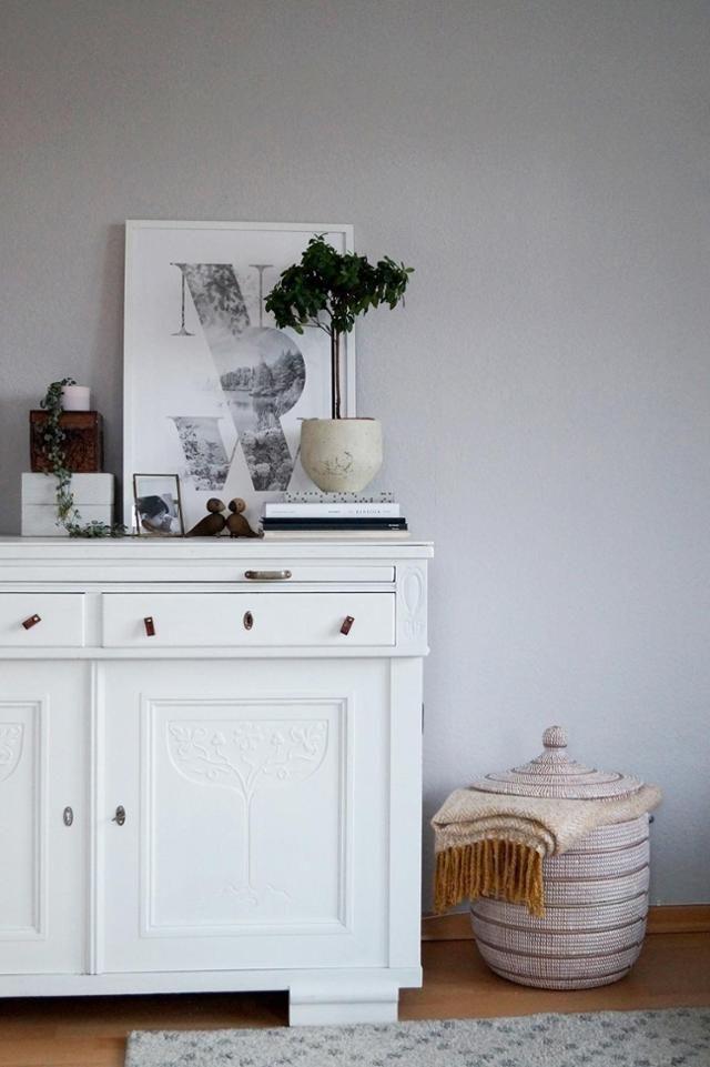 Wohnideen Naturfarben altekommode livingroom minimalism highboard schlicht und kommode