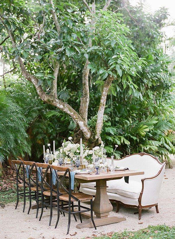 Blue Miami Wedding Inspiration - MODwedding