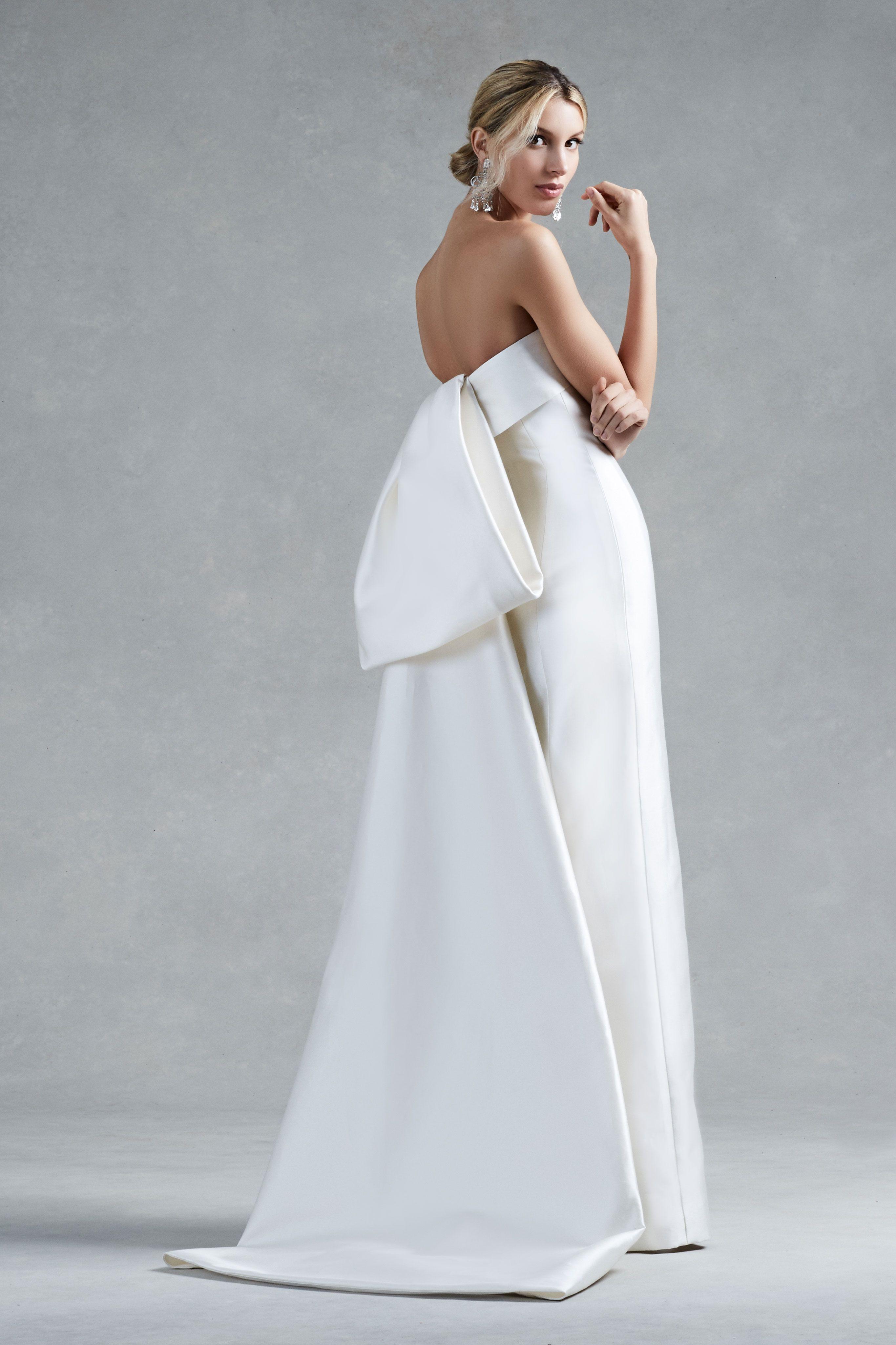 Wedding dress with bow on back  Oscar de la Renta Fall  Bridal  Dress  Pinterest  Oscars