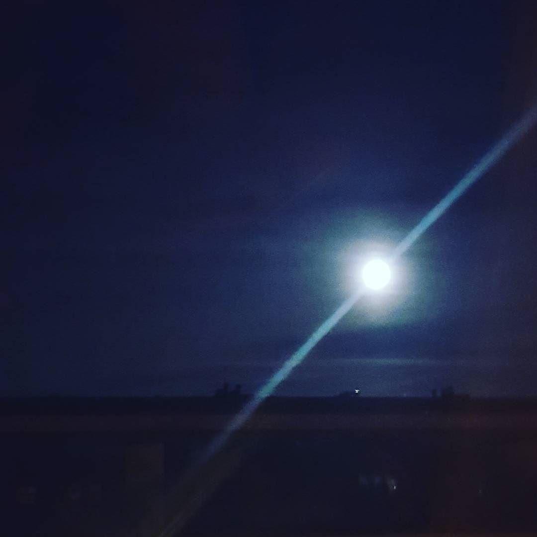Mond über Berlin #mond #igersberlin