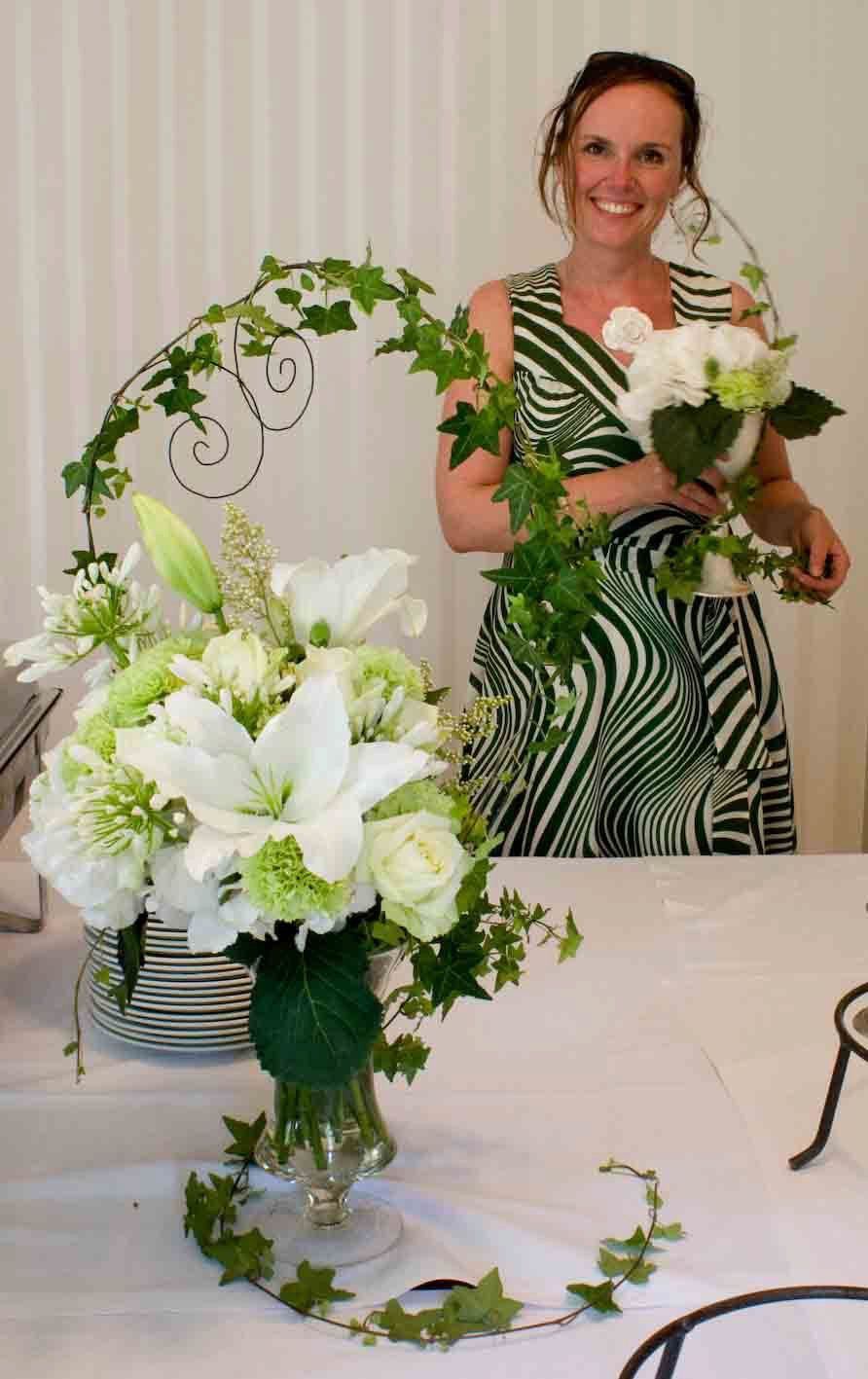 Wedding decorations for friend's wedding. Design by Elina Mäntylä (in the photo), Valona Florana www.facebook.com/Valona.design