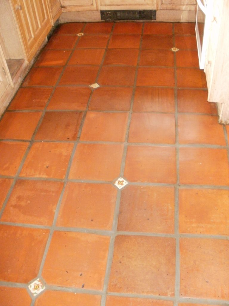 terracotta floor tiles with tile inserts google search - Terra Cotta Tile Home Decoration