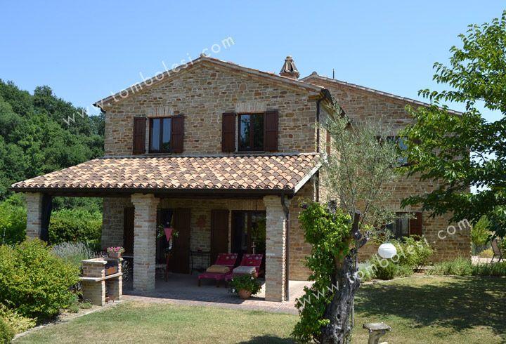 Villa lubachi un bellissimo casale ristrutturato in fratte rosa nelle marche esternamente - Ristrutturare casale di campagna ...
