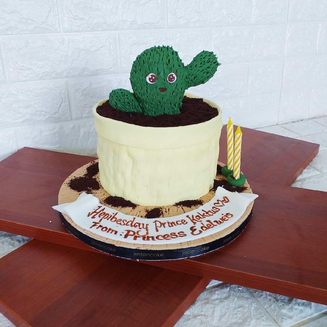 Photo of Kaktus cake 🌵 . #jessencake #cakesamarinda #chocosmashsamarinda #chocolatepin…