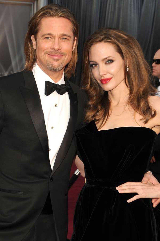Angelina Jolie Reveals She Had Double Mastectomy And Credits