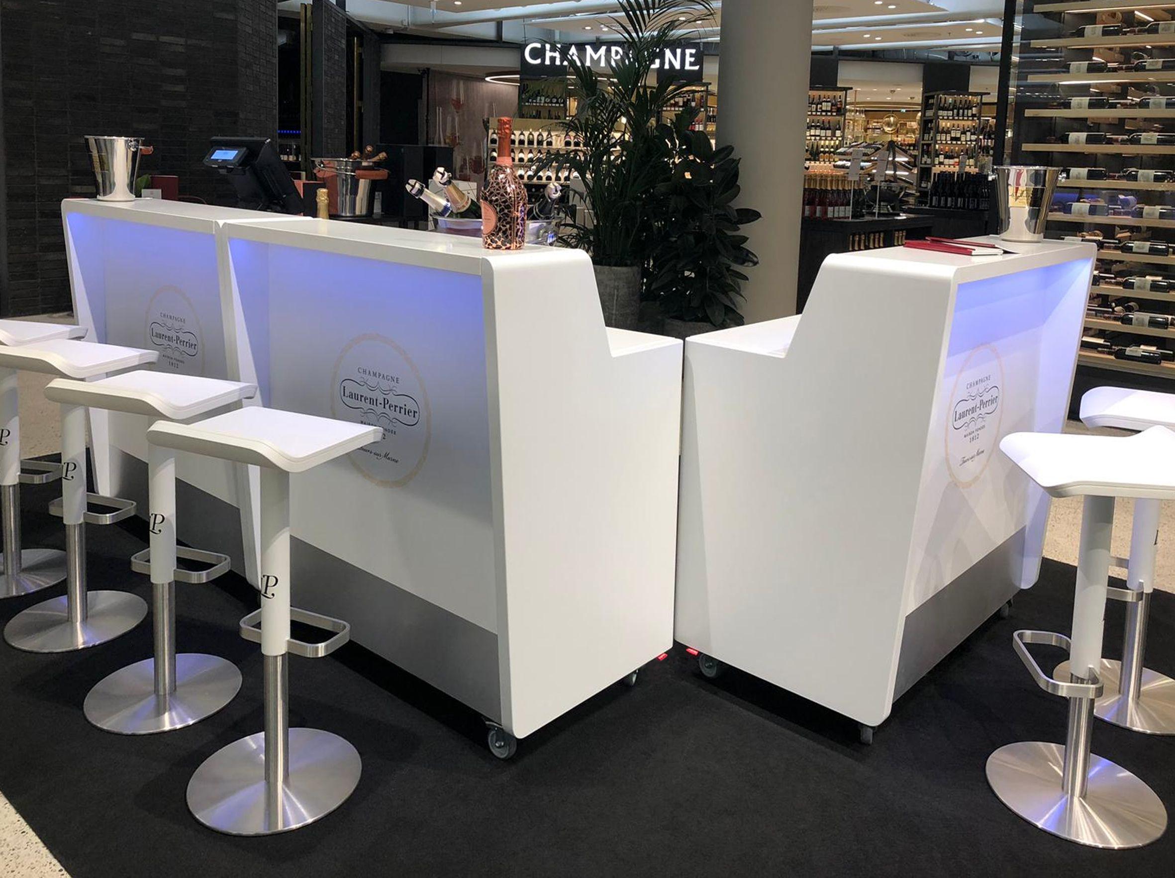Das Perfekte Bar Und Buffetsystem Fur Messe Event Und Promotion Besteht Das 9 Verschiedenen Grundelementen Das Led Beleuchtung Mobile Theke Led
