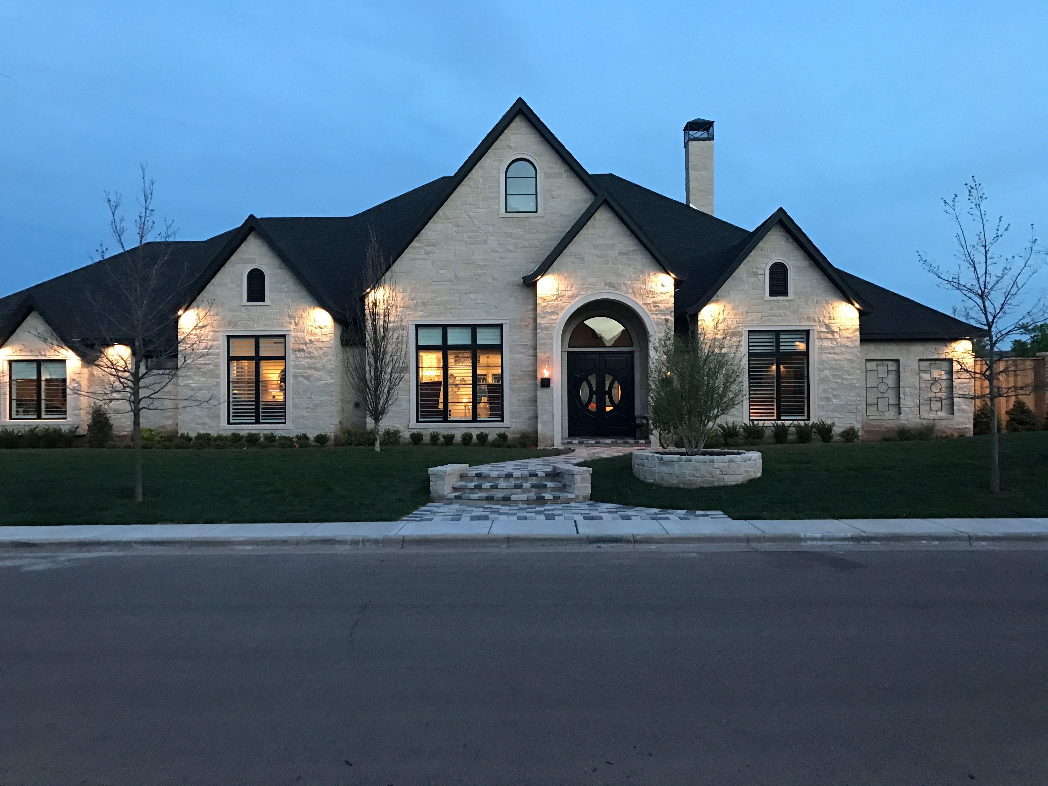 White Stone With Black Trim Brick Exterior House Stone Exterior Houses Dream House Exterior