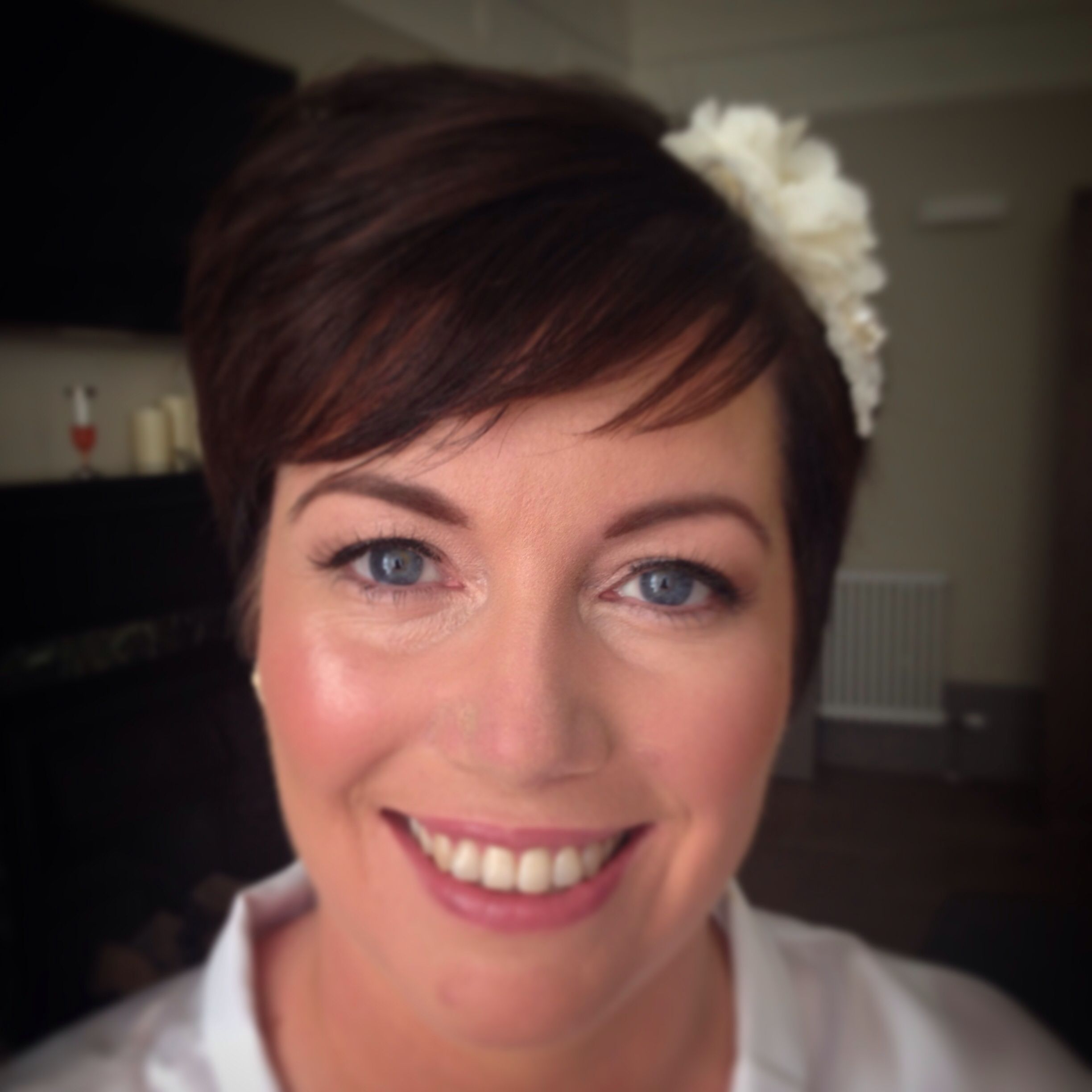 Bridal makeup for blue eyes: I used soft bronze, champagne and ...