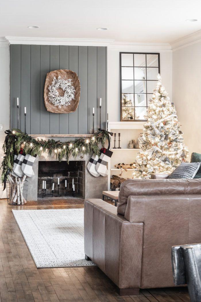 Simple Christmas Mantel with Fresh Garland Christmas