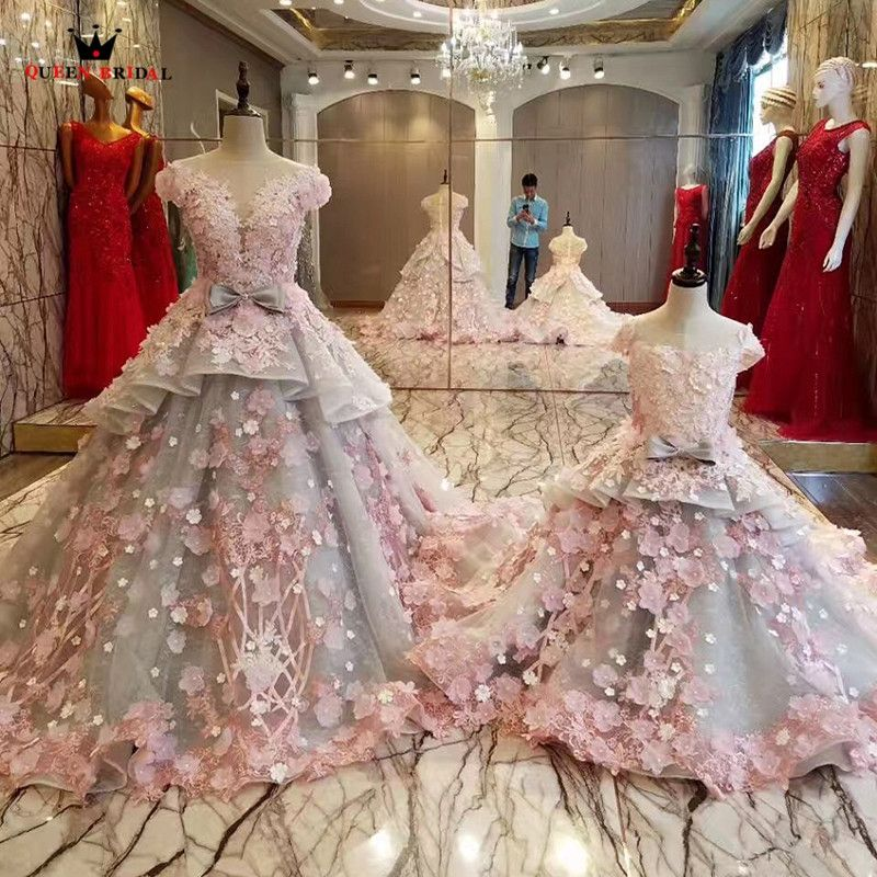 d5a9e1e453b QUEEN BRIDAL Mother Daughter Gowns Flowers Beaded Ball Gown Long Evening  Dress Luxury Party Prom Gowns Dress Robe De Soiree BY05