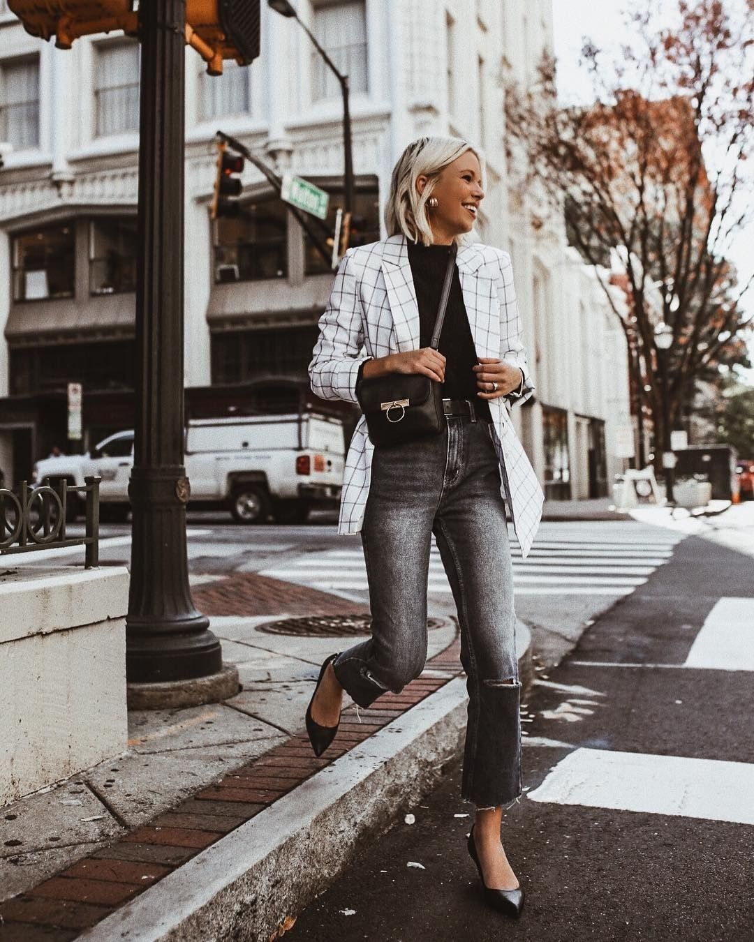 Candidlychan In Our Riley Leather Kitten Heel Heelsforthehustle Kennethcole Fashion Cool Outfits European Outfit