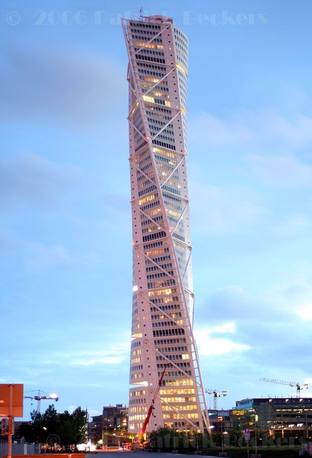 Elegant HSB Turning Torso, Scania, Sweden How Cool Is That Building?
