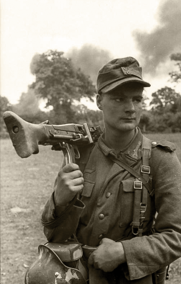Eastern Front WWII Photo German Assault Gun WW2 World War Two Wehrmacht Russia
