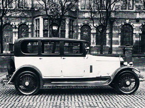 1926 Saloon by Arnold