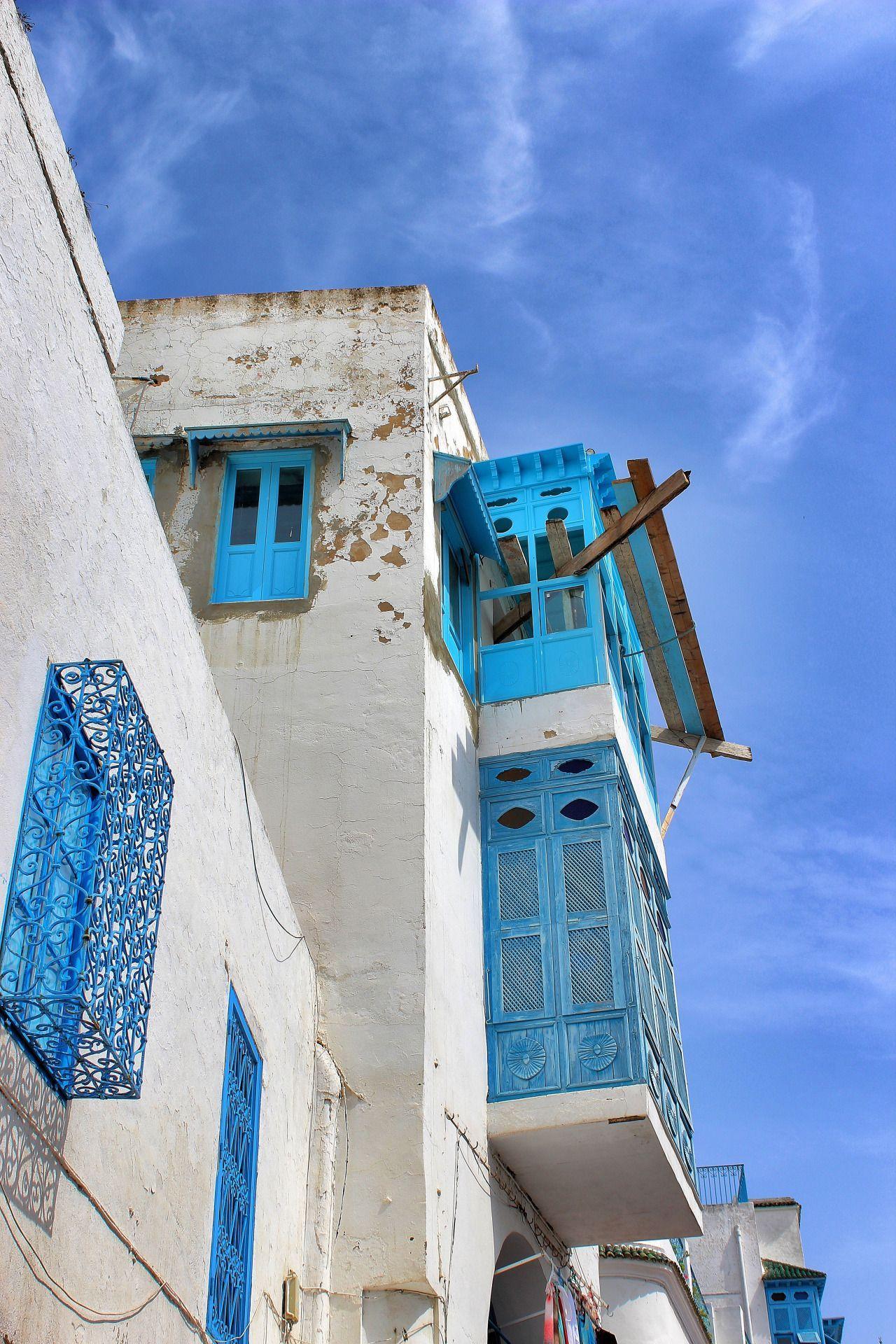 balcony - Sidi Bou Said - Tunisia (by annajewelsphotography)closed balcony - Sidi Bou Said - Tunisia (by annajewelsphotography)